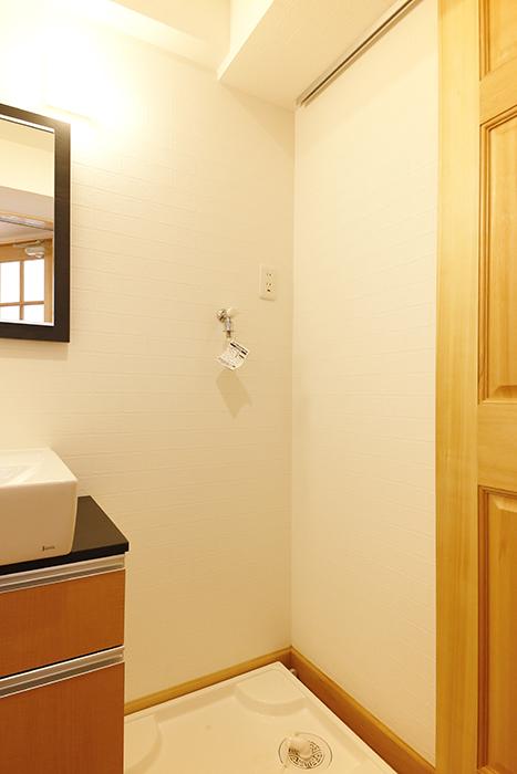 【ドヌール諏訪】402号室_水周り_室内洗濯機置き場_MG_6124