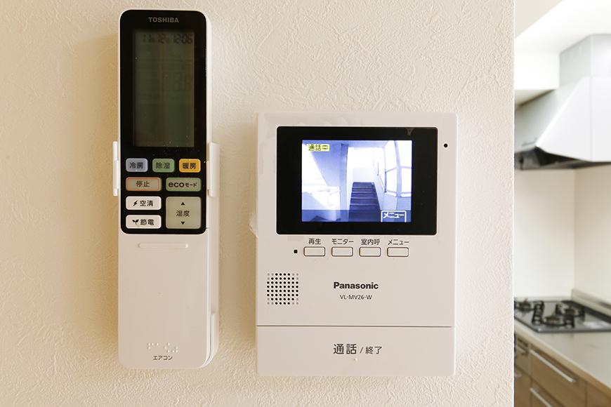【ドヌール諏訪】203号室_LDK_TVモニタ付インターフォン完備_MG_5869