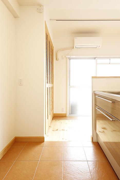 【ドヌール諏訪】402号室_LDK_キッチン周り_MG_6219