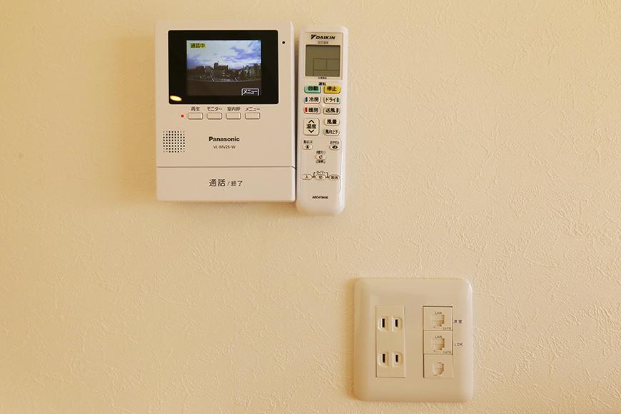【ドヌール諏訪】402号室_LDK_TVモニタ付インターフォン完備_MG_6325