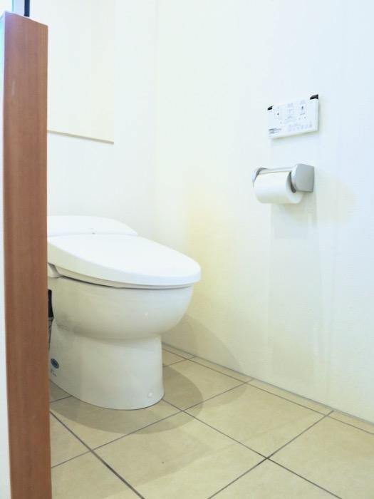 上品で清潔なパウダールーム。AZUR JOSAI 2A 8