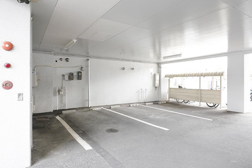 【ドヌール諏訪】外観_敷地内駐車場_MG_6411