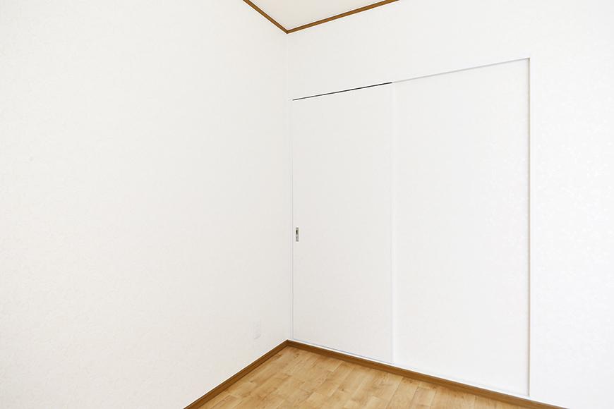 上社駅【サザン社口】三階_洋室_リビングへのドア_MG_7330