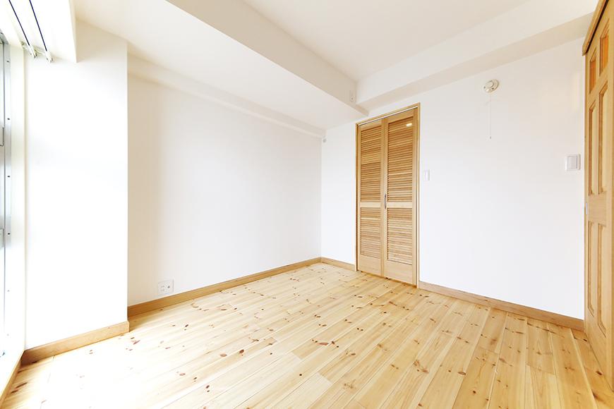 【ドヌール諏訪】203号室_北側の洋室_MG_5605