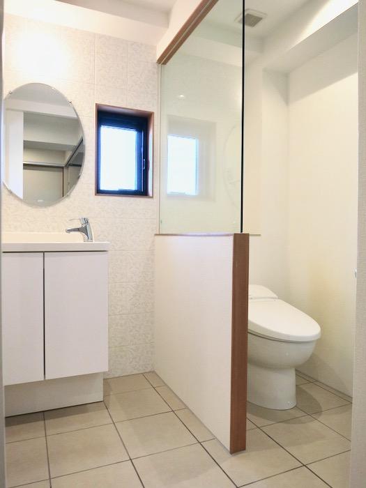 上品で清潔なパウダールーム。AZUR JOSAI 2A 9