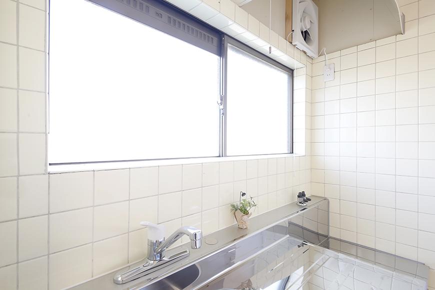 上社駅【サザン社口】三階_キッチン周り_キッチンの窓_MG_7433