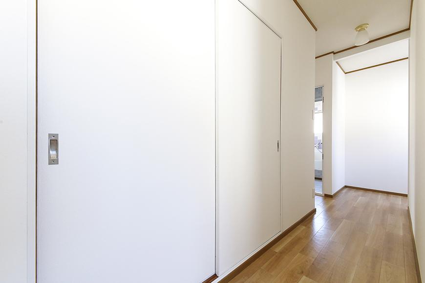 上社駅【サザン社口】二階_和室への扉と廊下_MG_6957