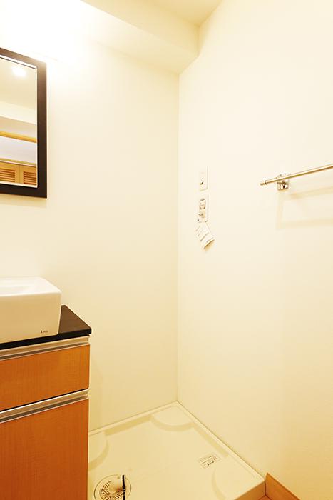 【ドヌール諏訪】203号室_水周り_室内洗濯機置き場_MG_5681