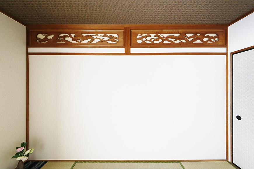 上社駅【サザン社口】二階_和室_欄間の透かし彫りのある壁_MG_7027