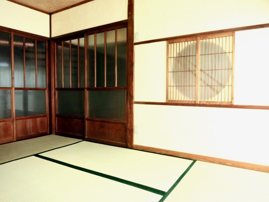 和室。丸窓・漆喰・畳・6帖 古民家風戸建てリノベーション。BB Style~SAKIGAKE~10