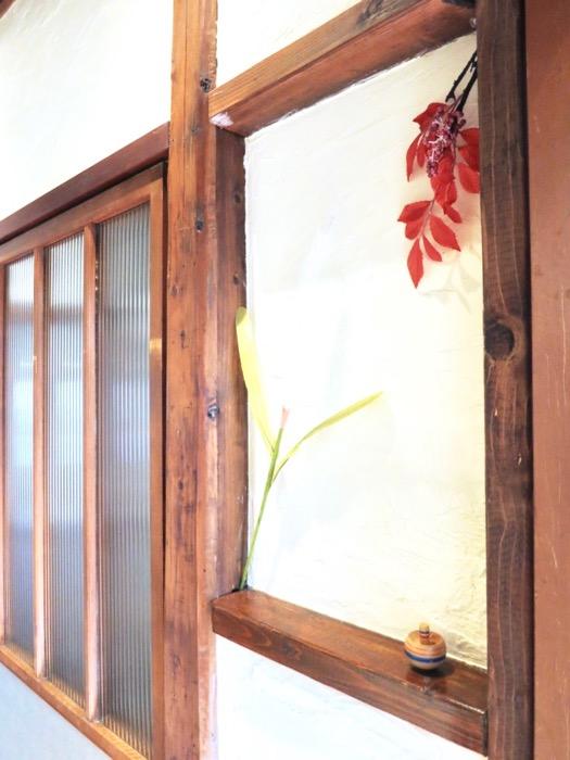 美しく引き戸が並ぶ和の廊下。古民家風戸建てリノベーション。BB Style~SAKIGAKE~3