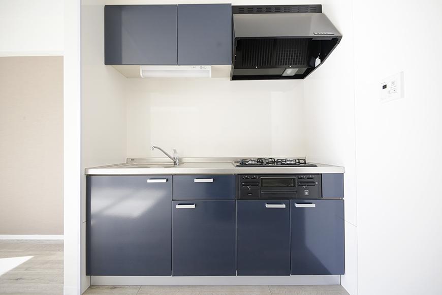 【おがわビル】601号室_LDK_キッチン周り_全景正面_MG_3004