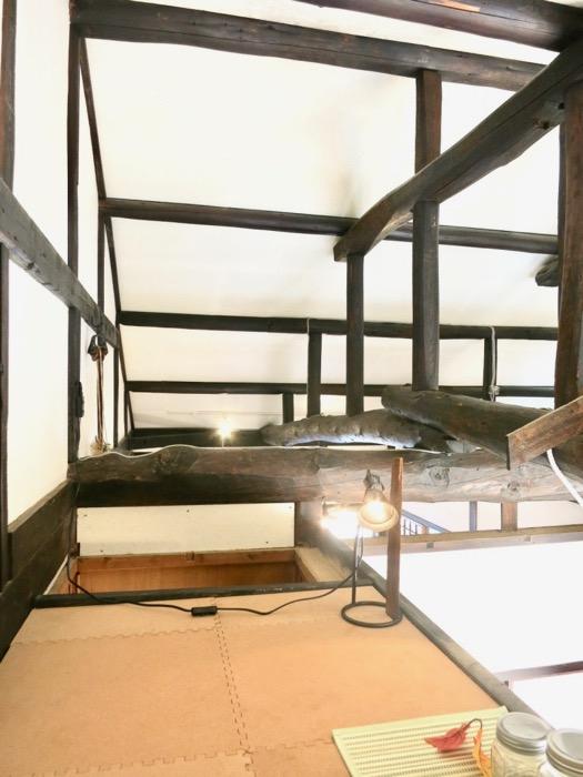 2階。屋根裏 ロフトからなの景色。古民家風戸建てリノベーション。BB Style~SAKIGAKE~8