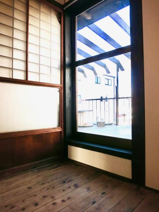 2階。風情ある廊下からの景色。古民家風戸建てリノベーション。BB Style~SAKIGAKE~2