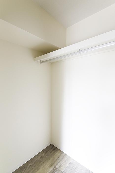 【おがわビル】601号室_LDK_クローゼット収納_MG_3075