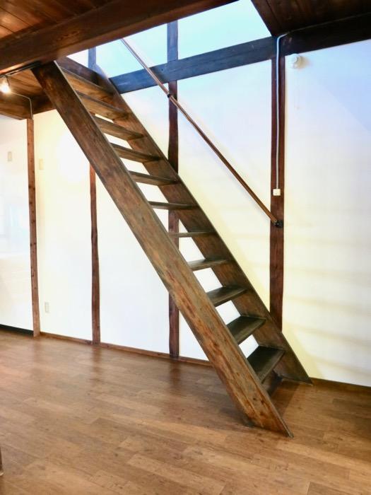 階段。和の雰囲気満載。古民家風戸建てリノベーション。BB Style~SAKIGAKE~2