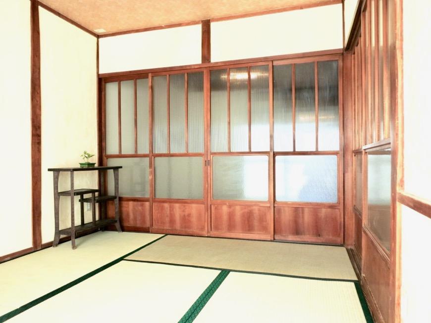 和室。丸窓・漆喰・畳・6帖 古民家風戸建てリノベーション。BB Style~SAKIGAKE~9