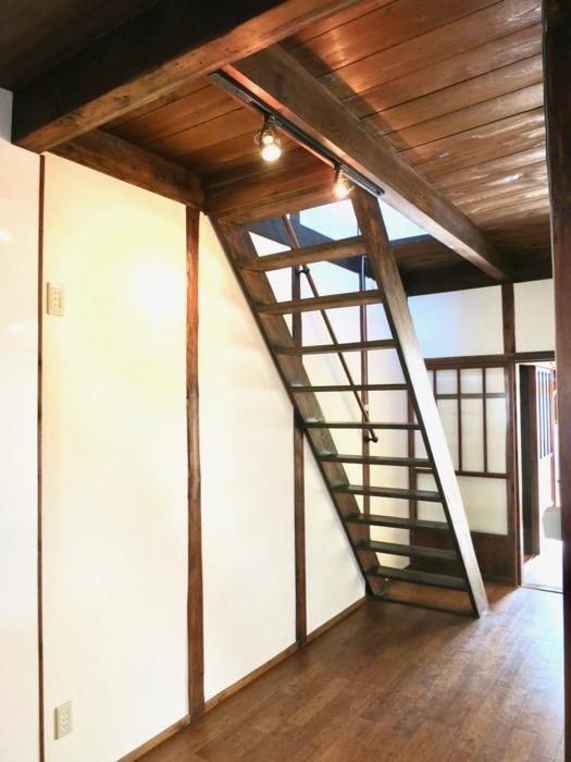 階段。和の雰囲気満載。古民家風戸建てリノベーション。BB Style~SAKIGAKE~0