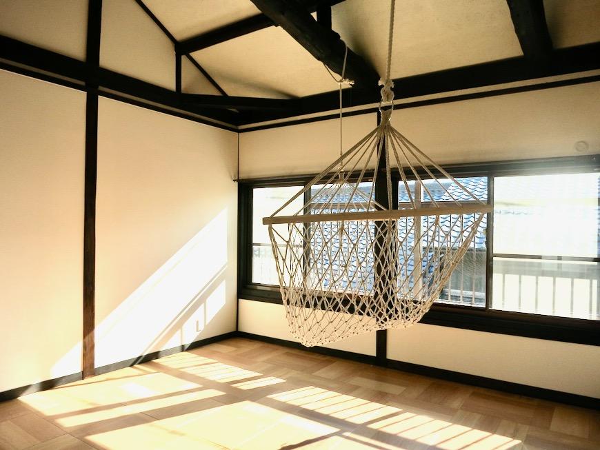 2階。和風モダンとハンモック。古民家風戸建てリノベーション。BB Style~SAKIGAKE~1