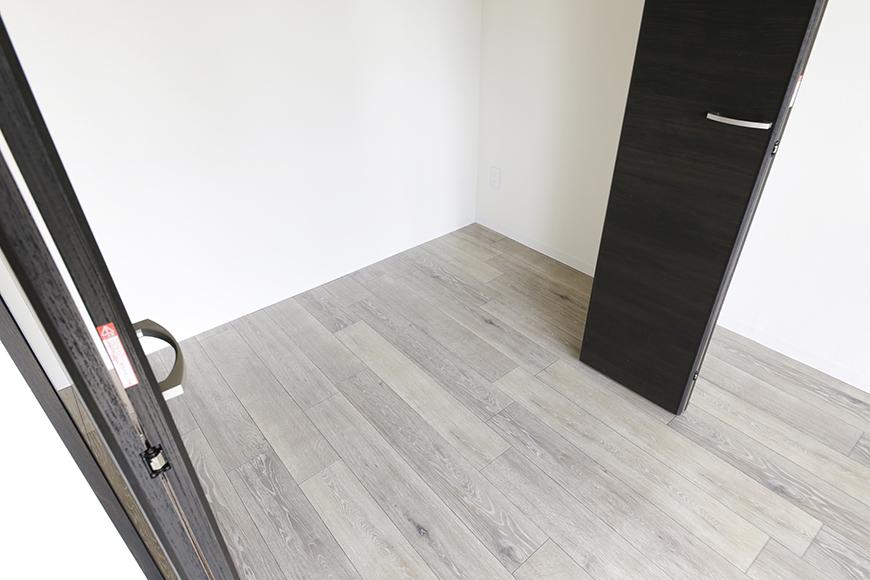 【おがわビル】601号室_LDK_クローゼット収納_MG_3074