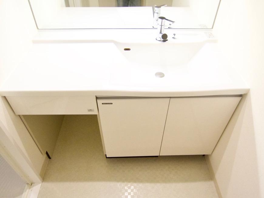 清潔感あふれるサニタリー&バスルーム。コンシェルジュがいる賃貸マンション。ロイヤルパークスERささしま7