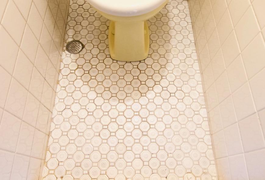トイレ。レトロなタイル貼り。70年代ノスタルジック Ma Chambre Fuji 406号室1