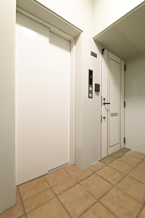 久屋大通【セント・レジス泉】502号室_5階エレベータホール_MG_6273
