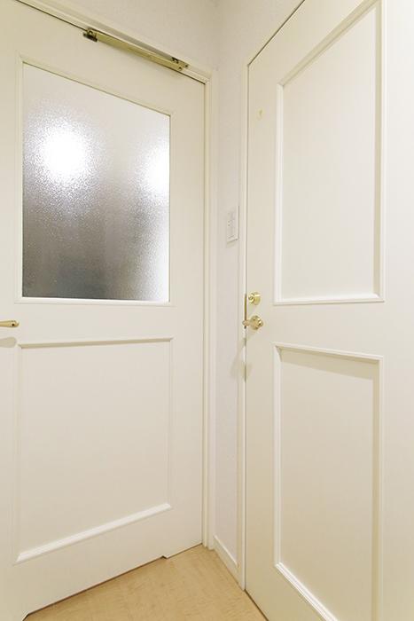 久屋大通【セント・レジス泉】502号室_玄関周り_トイレ・リビングへのドア_MG_6315