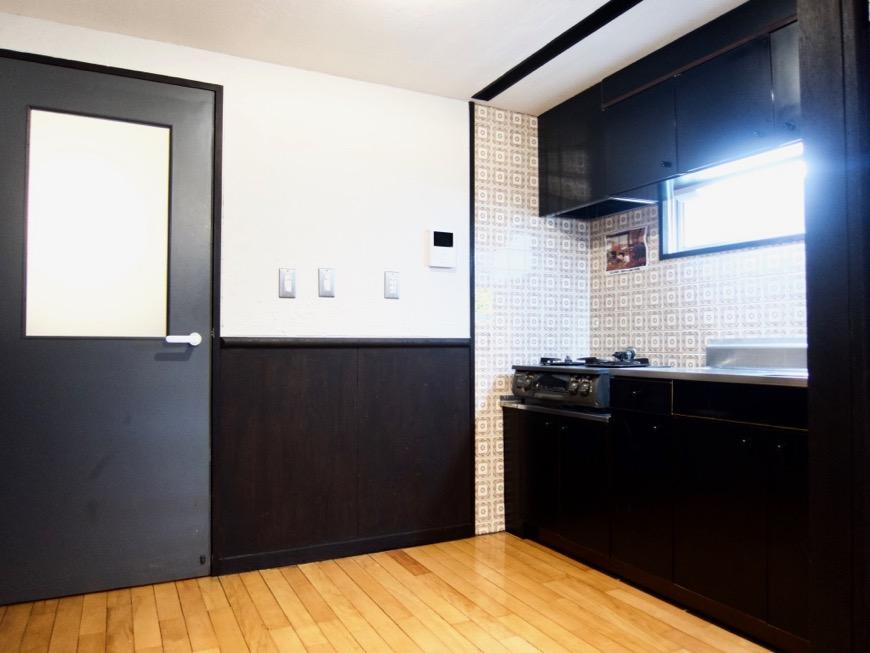 洋室8帖 モノトーンが美しい70年代ノスタルジックなお部屋。Ma Chambre Fuji 406号室10