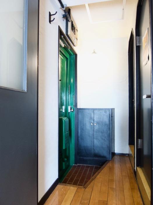 玄関。70年代ノスタルジック Ma Chambre Fuji 406号室5