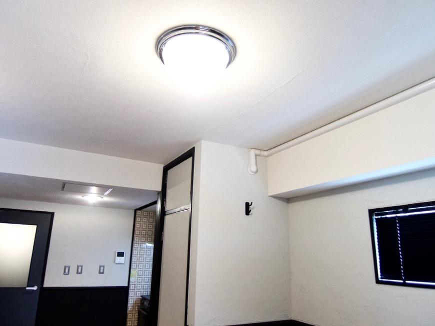 洋室8帖 モノトーンが美しい70年代ノスタルジックなお部屋。Ma Chambre Fuji 406号室2
