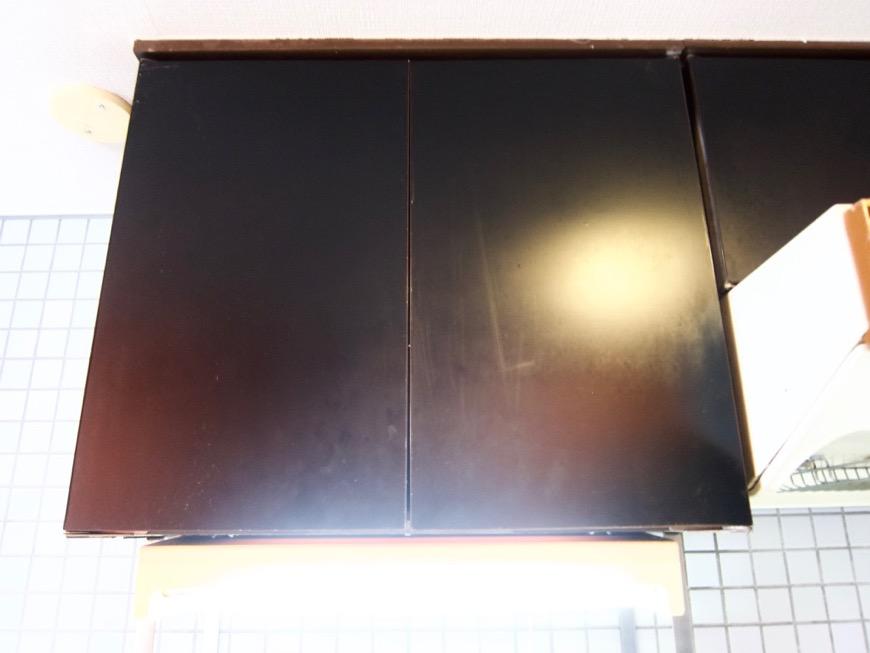 キッチン。レトロ感溢れるキッチン台。ARK HOUSE 8C10