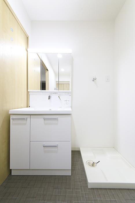 本山【平和第2マンション】1A号室_水周り_独立洗面台・室内洗濯機置き場_MG_5092