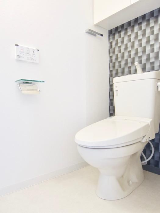 サニタリールーム。鏡が美しい。 スタイリッシュ&クールな空間。 FIRST RESIDENCE SAKAE8