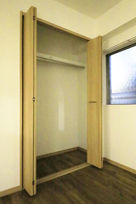 本山【平和第2マンション】1A号室_洋室_クローゼット収納_MG_5210