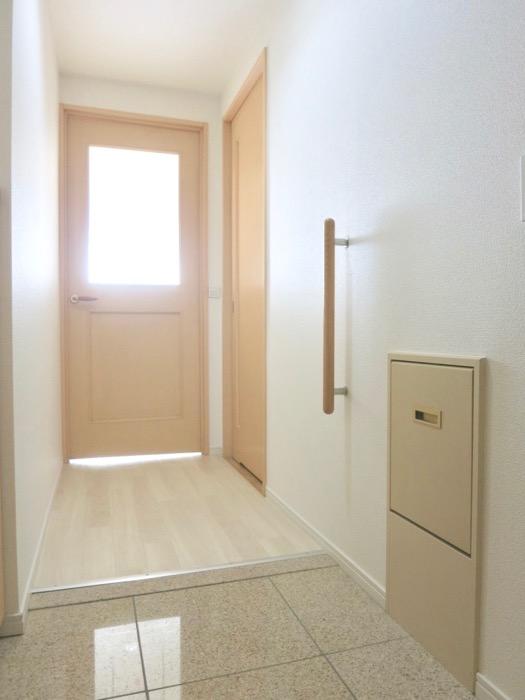 メイプルカラーの玄関 R-COURT 泉 1102号室R-COURT 泉 1102号室1