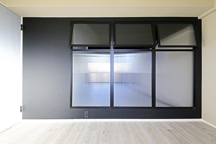 上社【ピースキャピタル上菅】305号室_洋室とリビングの間の窓_MG_4317