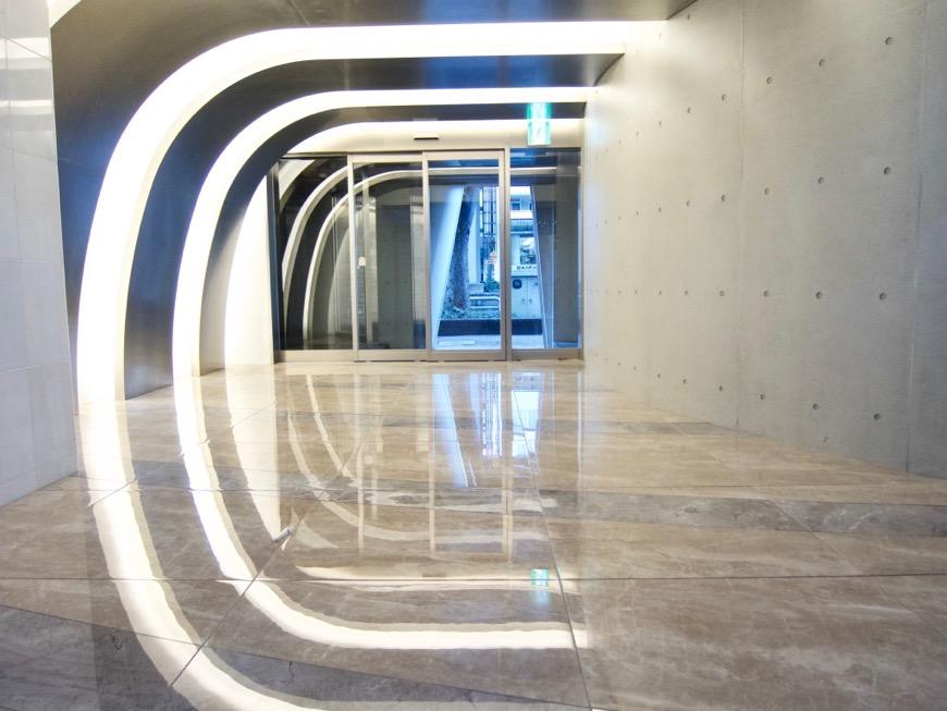 外観&エントランス&共用スペース スタイリッシュ&クールな空間。 FIRST RESIDENCE SAKAE8