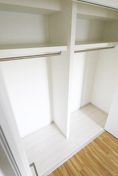 本山【平和第2マンション】2E号室_洋室(6帖)_クローゼット収納_MG_4790