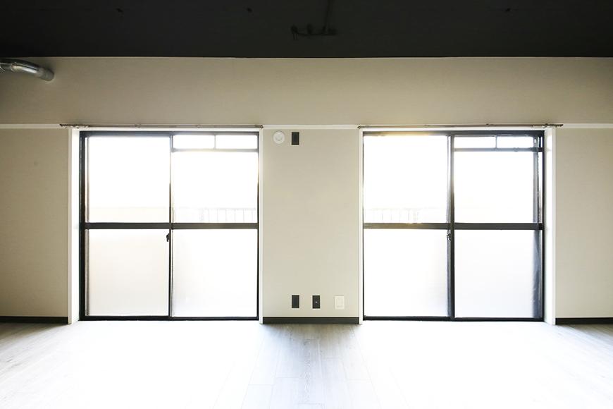 上社【ピースキャピタル上菅】305号室_リビング_二枚の窓_MG_4453