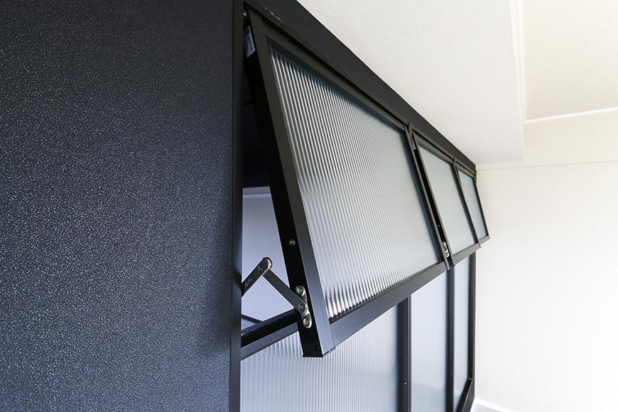 上社【ピースキャピタル上菅】305号室_洋室とリビングの間の窓_MG_4323