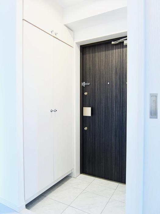 玄関&廊下 スタイリッシュ&クールな空間。 FIRST RESIDENCE SAKAE2