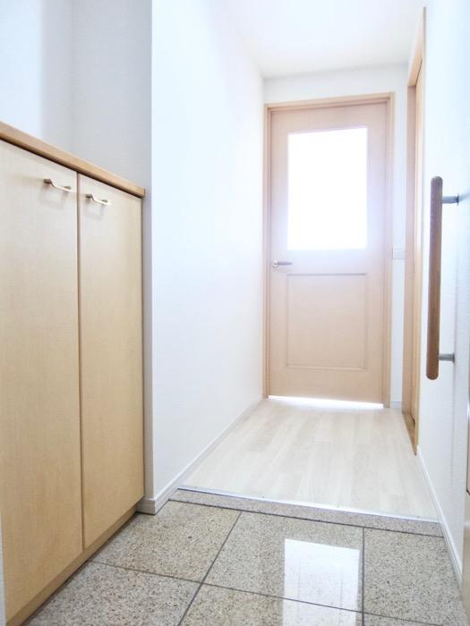 メイプルカラーの玄関 R-COURT 泉 1102号室R-COURT 泉 1102号室0