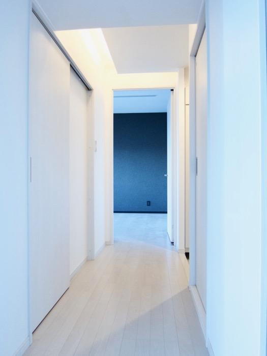 玄関&廊下 スタイリッシュ&クールな空間。 FIRST RESIDENCE SAKAE6