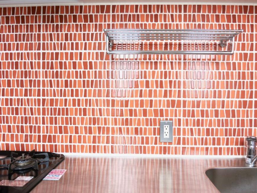 1F モザイクタイルのキッチン。BOX HOUSE 5B号室7