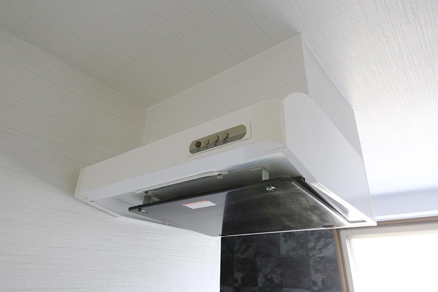 【ビアンカーサ】701号室_LDK_キッチン_レンジフード_MG_8606
