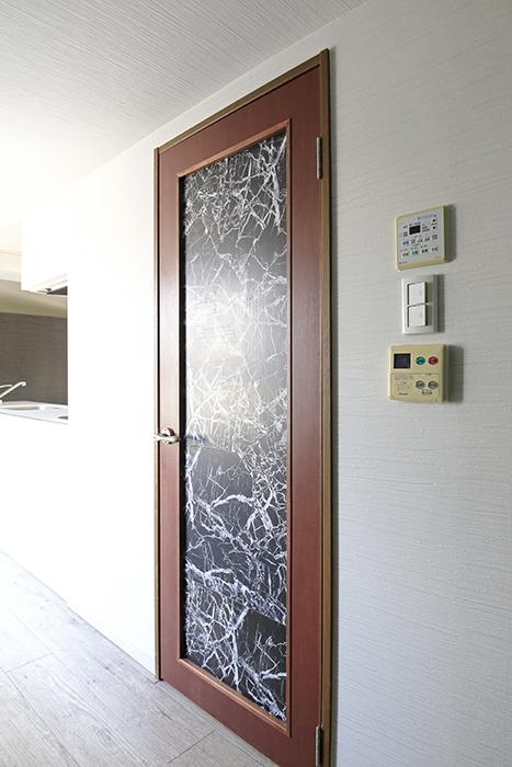 【ビアンカーサ】701号室_水回りへのドア_MG_8377
