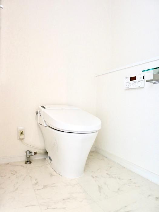 トイレ。エスティメゾン葵1401号室1