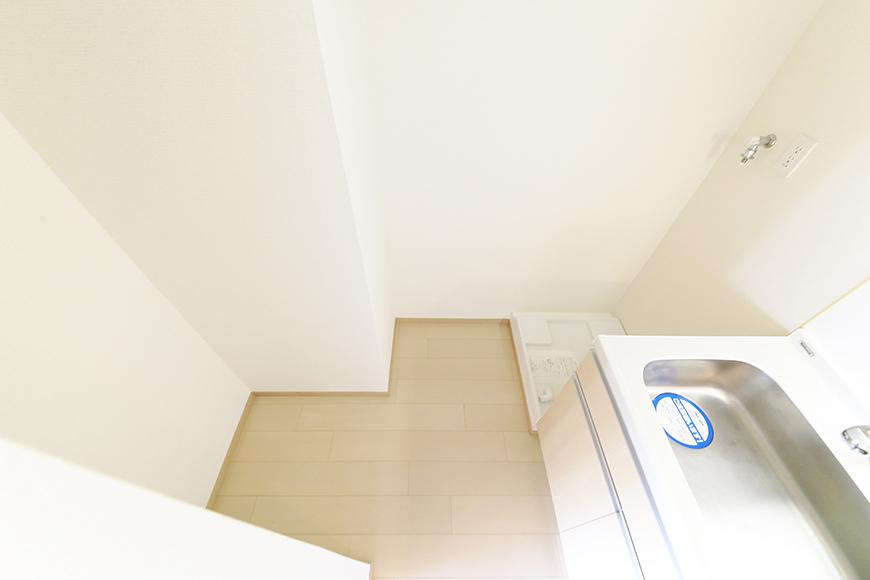 【ドゥーエ大須】1004号室_洋室_キッチン・洗濯機置き場・冷蔵庫置き場_MG_6773