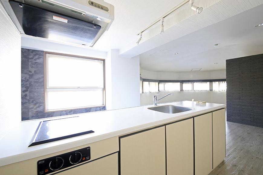 【ビアンカーサ】701号室_LDK_キッチン_MG_8592